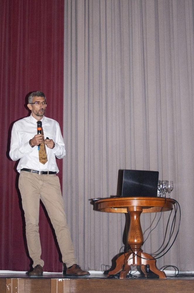 Dr. Varga Gyula megnyitja a konferenciát